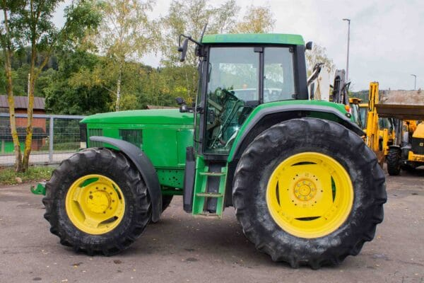 JohnDeere69002 scaled