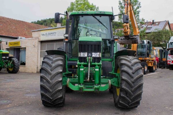 JohnDeere69008 scaled