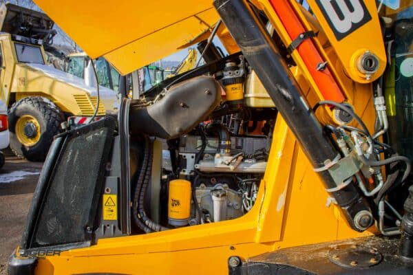 Baggerlader JCB 3CX 15 scaled